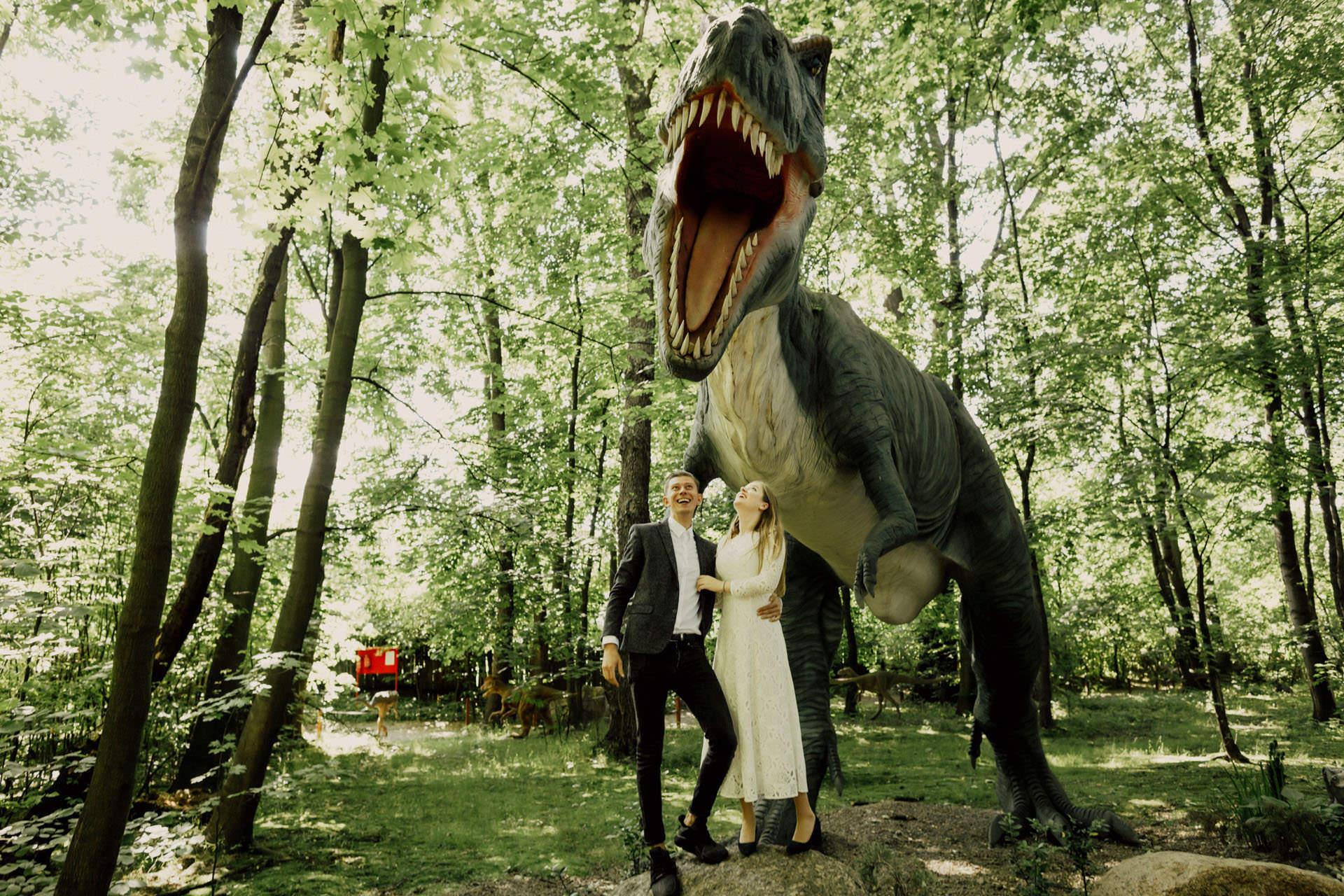 Aga i Piotrek sesja narzeczenska i dinozaury 0004