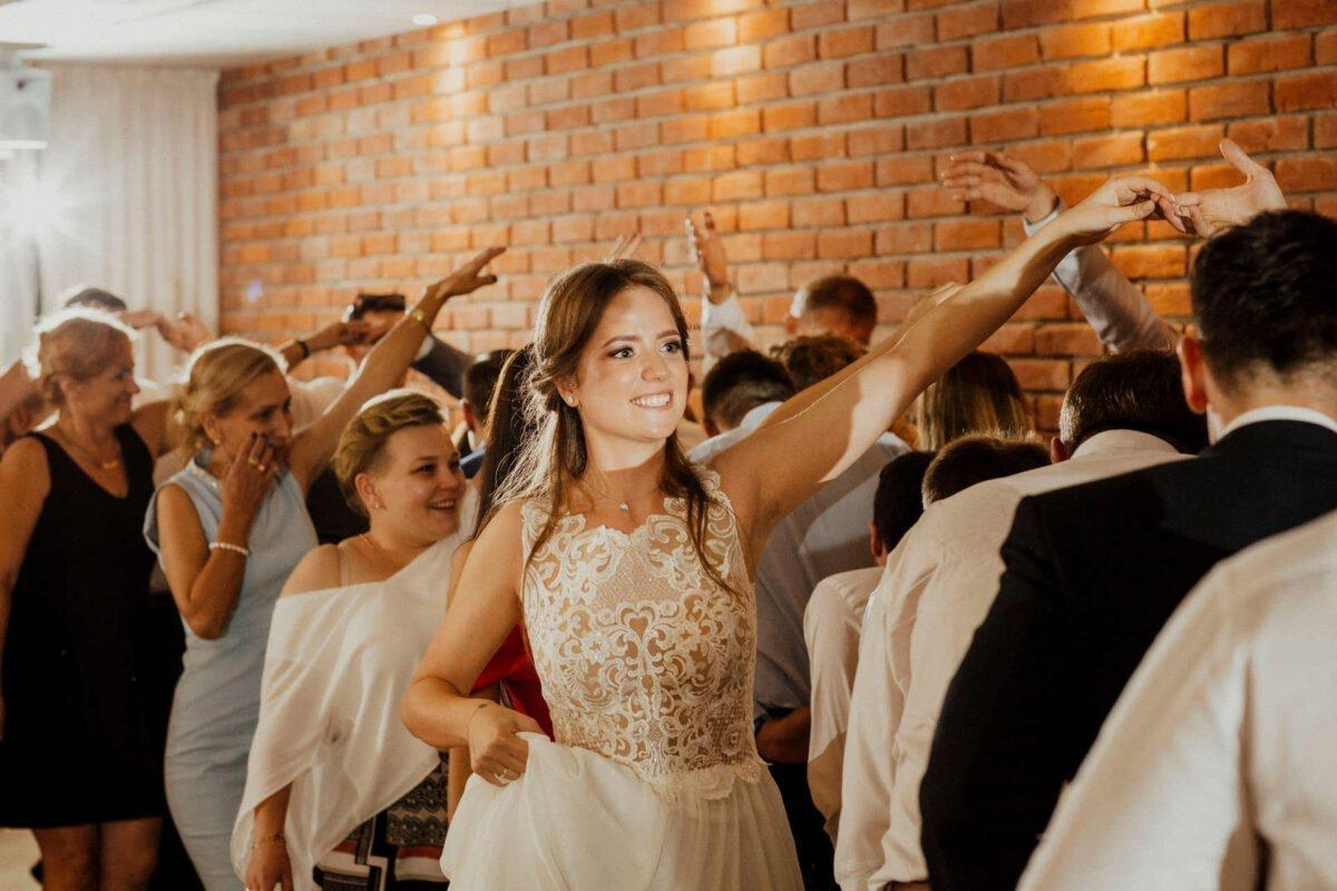 Agnieszka i Piotr rustykalne wesele hotel vinnica 0049