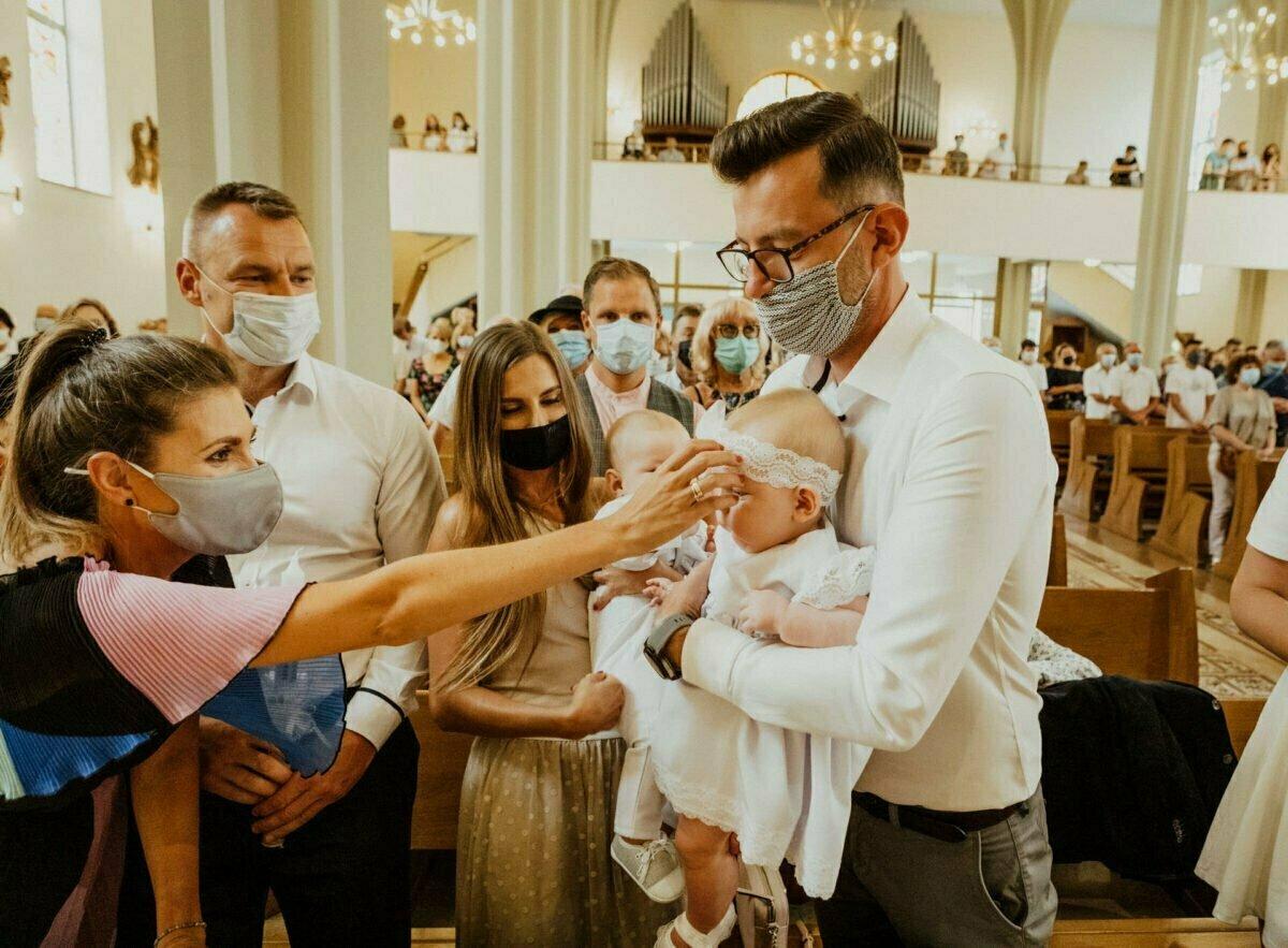 Asia i Tomcio chrzest blizniakow w krakowie 0028