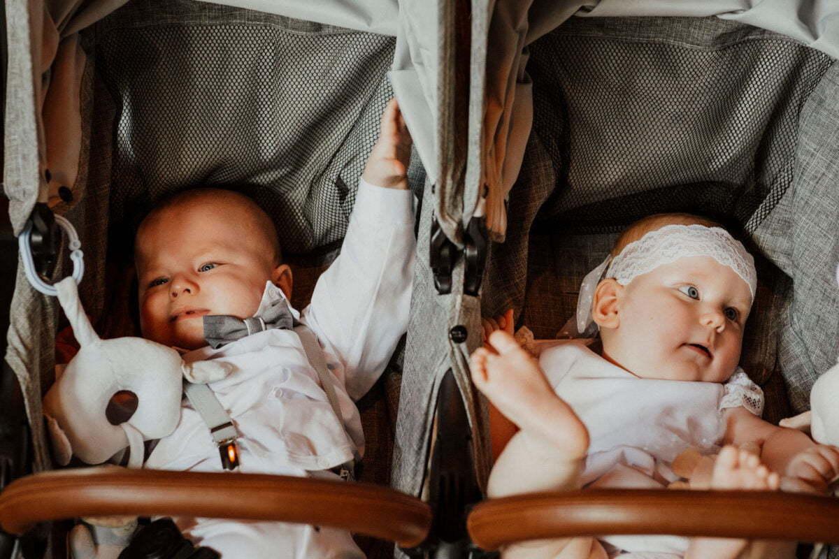 Asia i Tomcio chrzest blizniakow w krakowie 0045