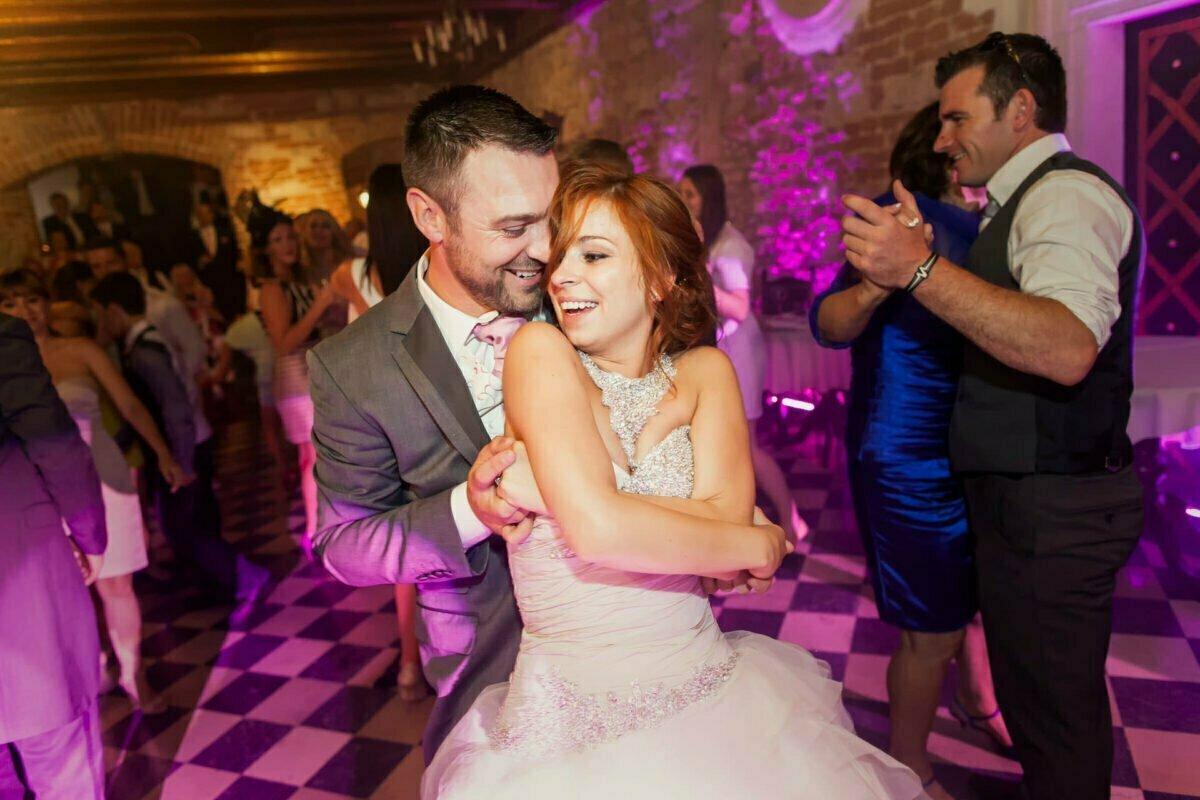Iwona i Meehal wesele na zamku w korzkwi 0077