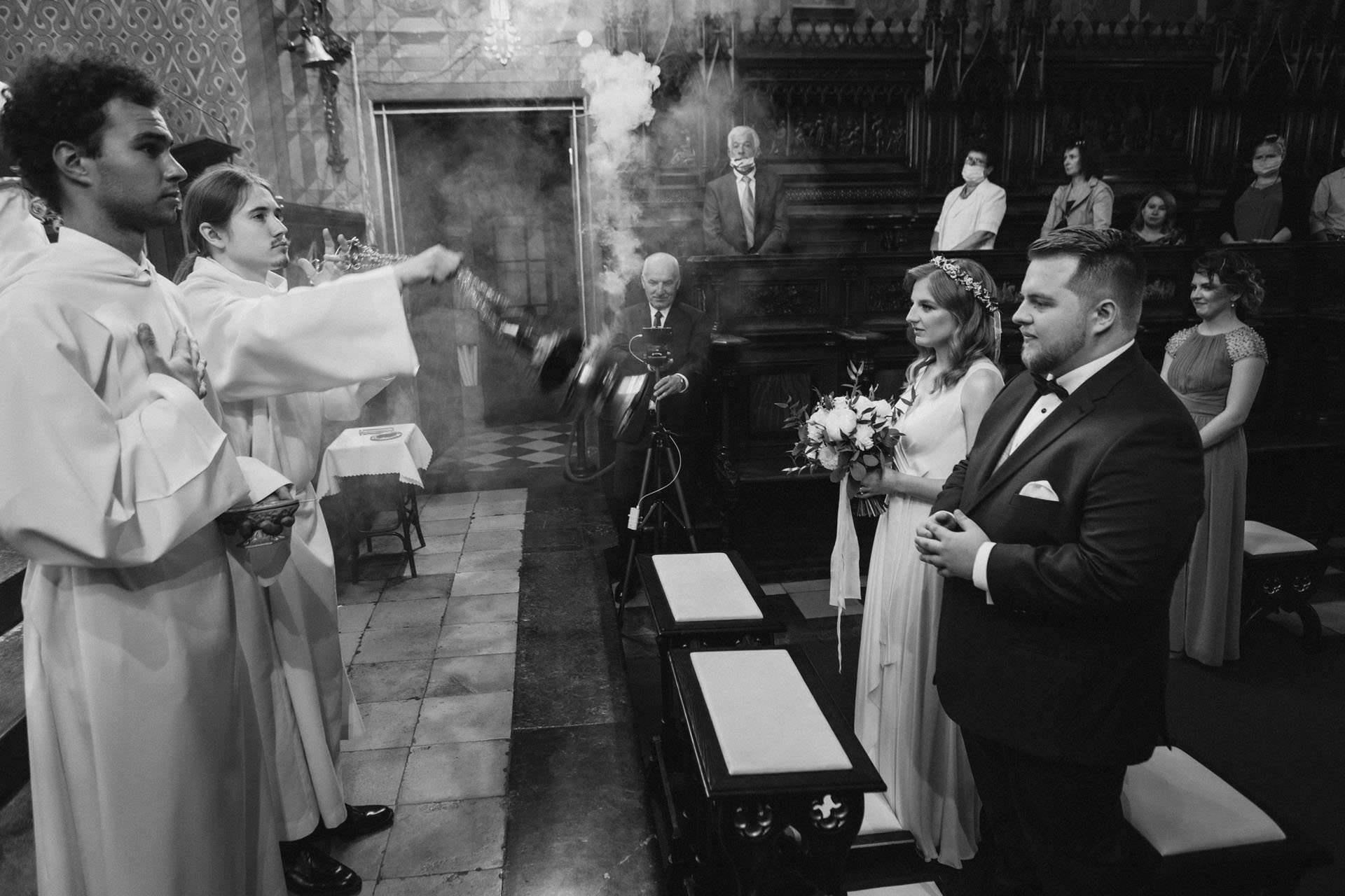 Ślub kościelny Franciszkanie Kraków - reportaż ślubny Magdy i Dominika