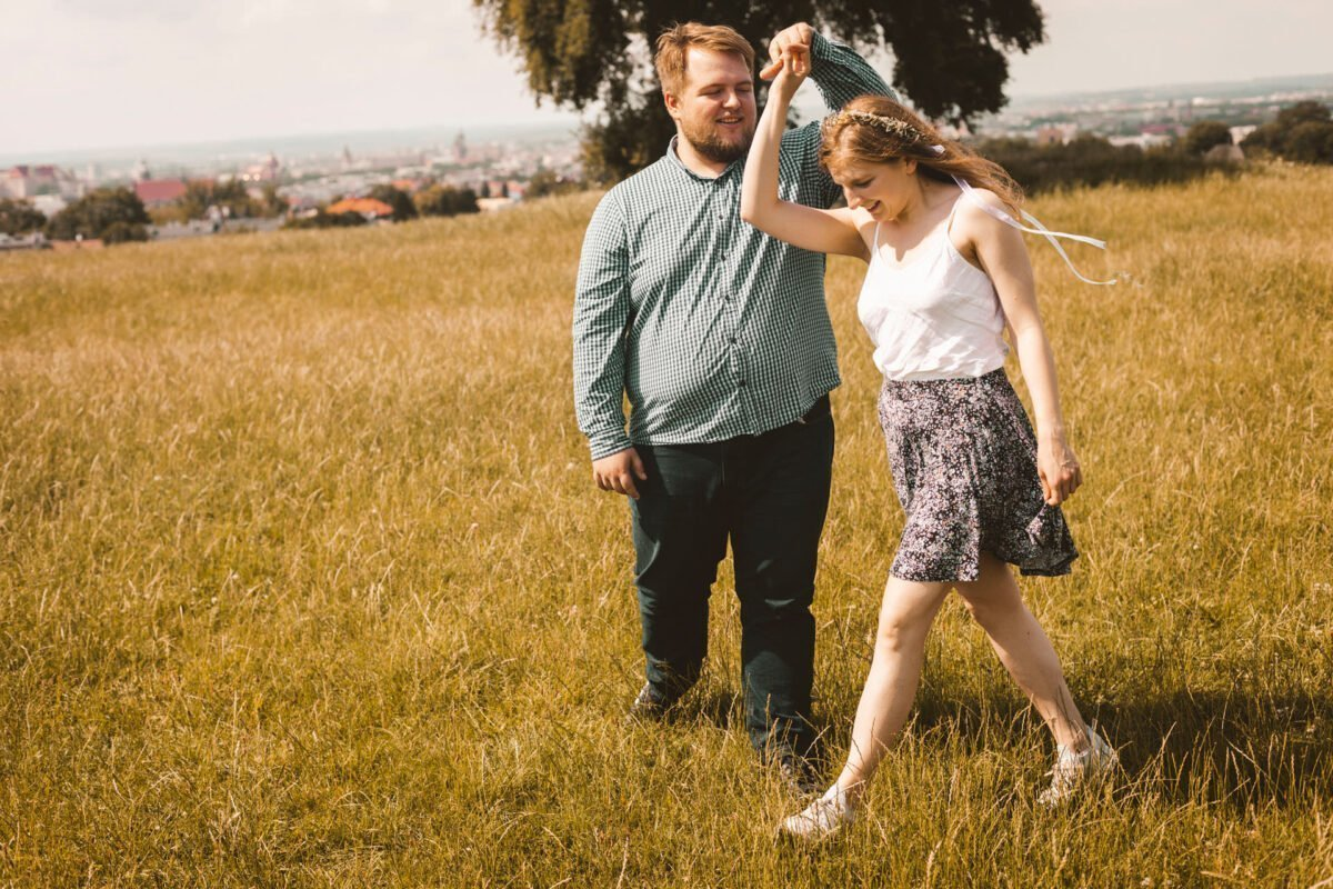 Magda i Dominik zakochani na kopcu krakusa 0039