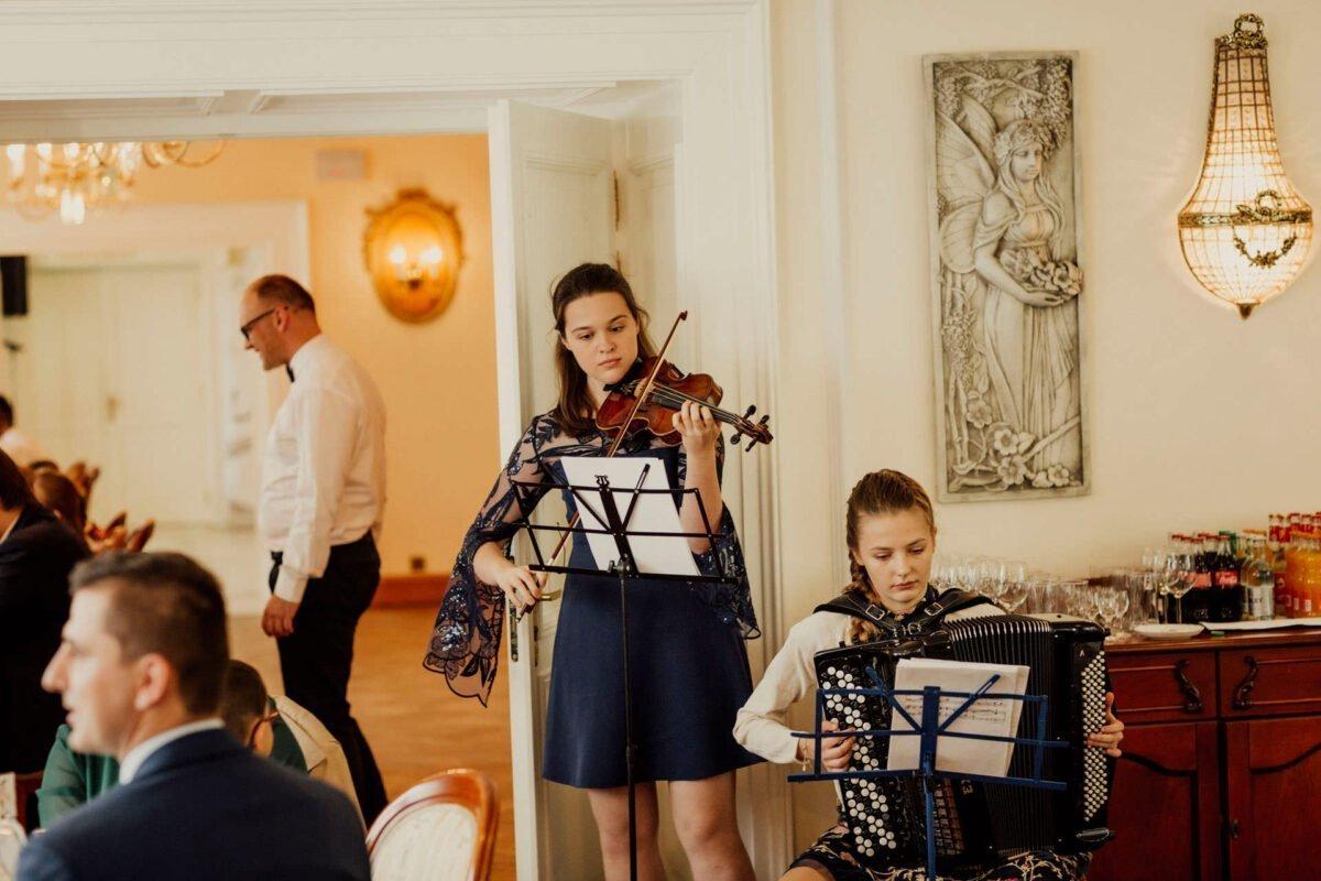 Magdalena i Ioannis slub w palacu w smilowicach 0045