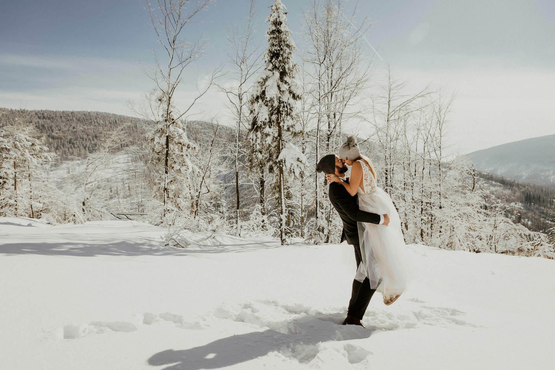 Marta i Michal zimowy plener slubny 0036