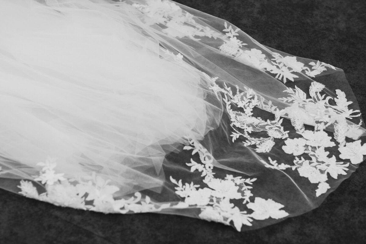 Suknia ślubna Viola Piekut - welon - Villa Foksal