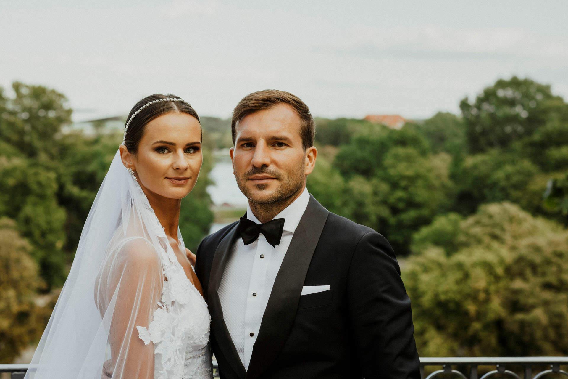 Sara i Tomek warszawski plener slubny w porsche 0039