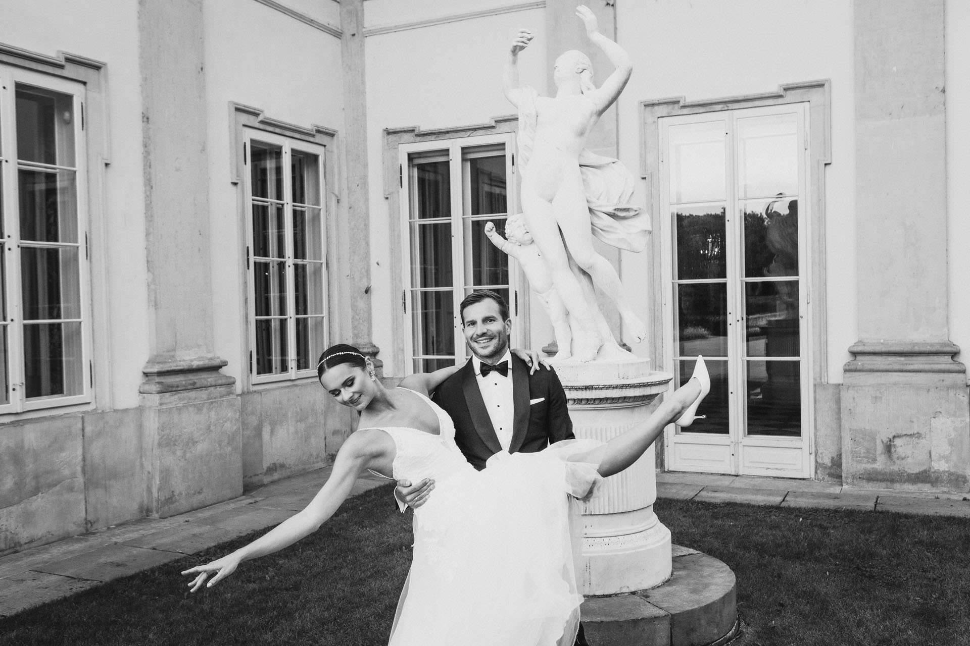 Sara i Tomek warszawski plener slubny w porsche 0065
