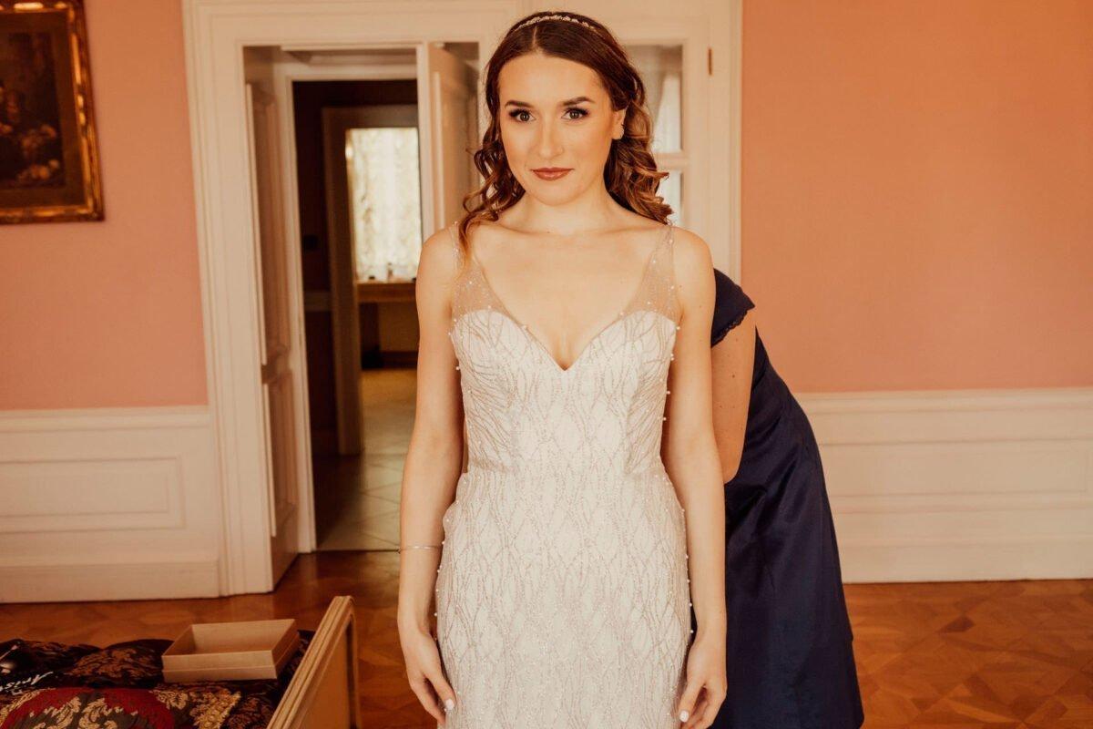 Suknia ślubna - Panna Młoda - fryzura i makijaż