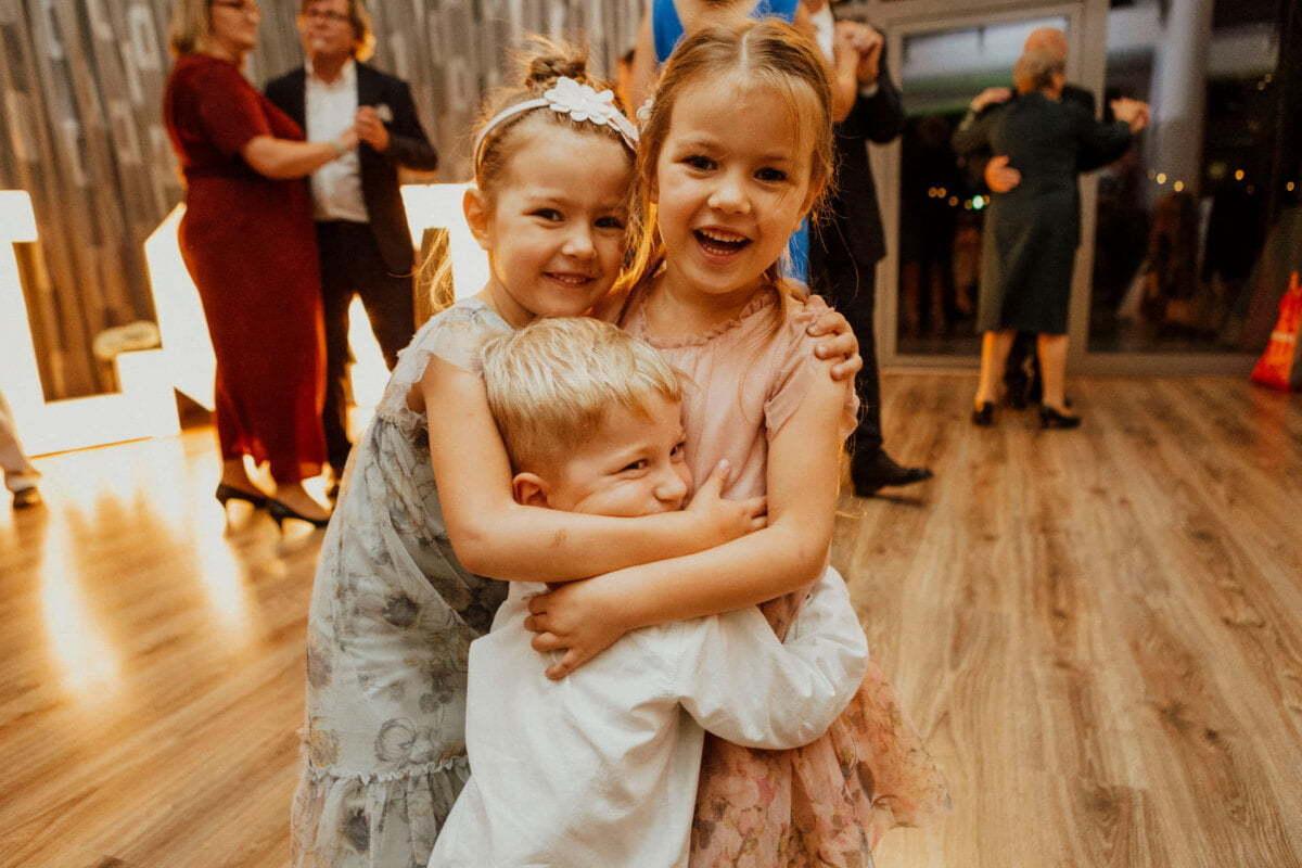 Dzieci na weselu - Restauracja Mały Dworek